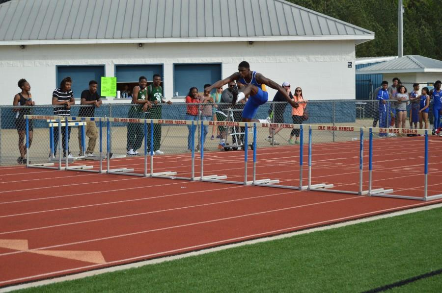 Boy%27s+and+Girl%27s+Track+Teams+Place+First+at+District+Meet