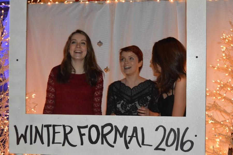 Winter+Formal+dance+takes+place+despite+threat+of+snow%2C+ice