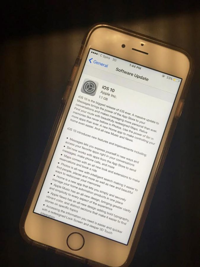 Apple+update+receives+mixed+reviews+from+students